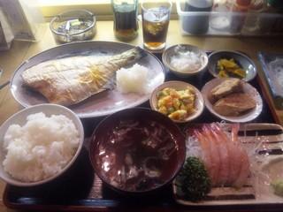 味処いずみさん 焼き魚定食